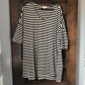 Black & white stripped L dress loose fit, pockets